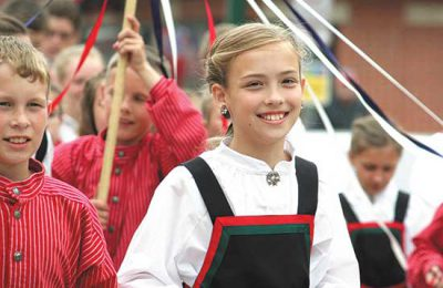girl in Syttende Mai parade